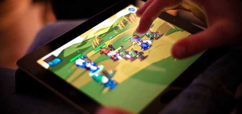 Facebook launches gaming video platform to battle Twitch